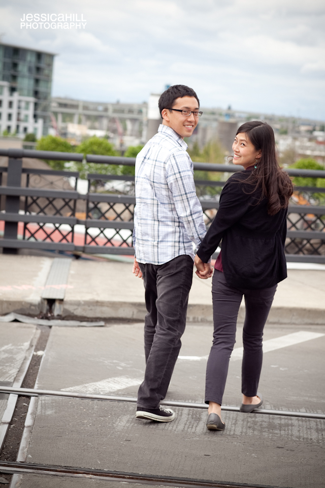 Pearl-District-Engagements-12.jpg