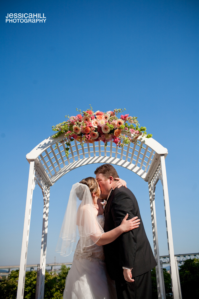Riverplace-Portland-Weddings-13.jpg