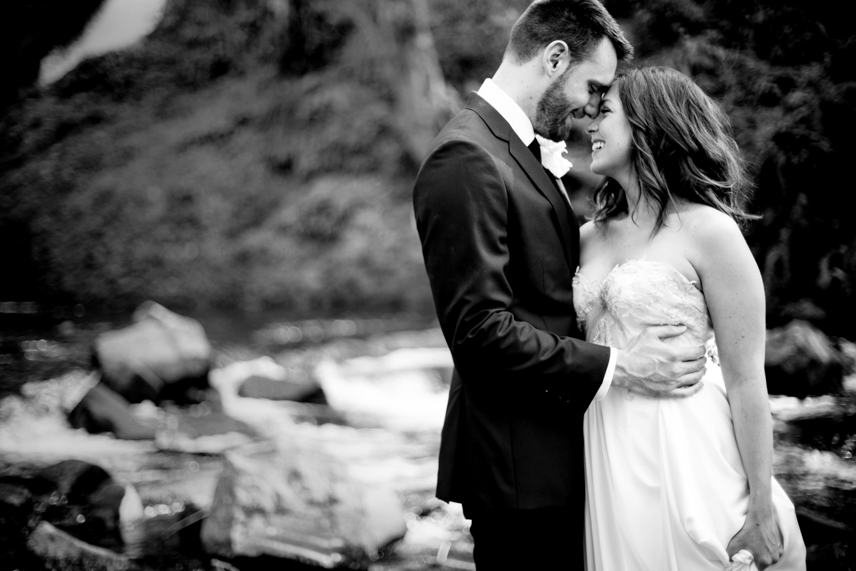 Waterfall-Weddings-Portland-01