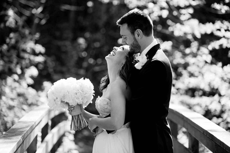 Waterfall-Weddings-Portland-15