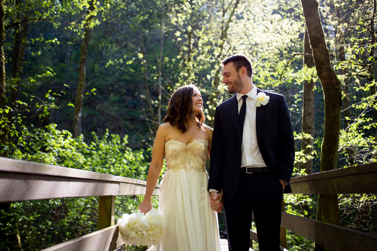 Waterfall-Weddings-Portland-16