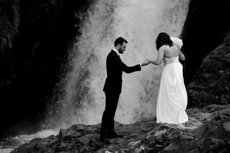 Waterfall-Weddings-Portland-21
