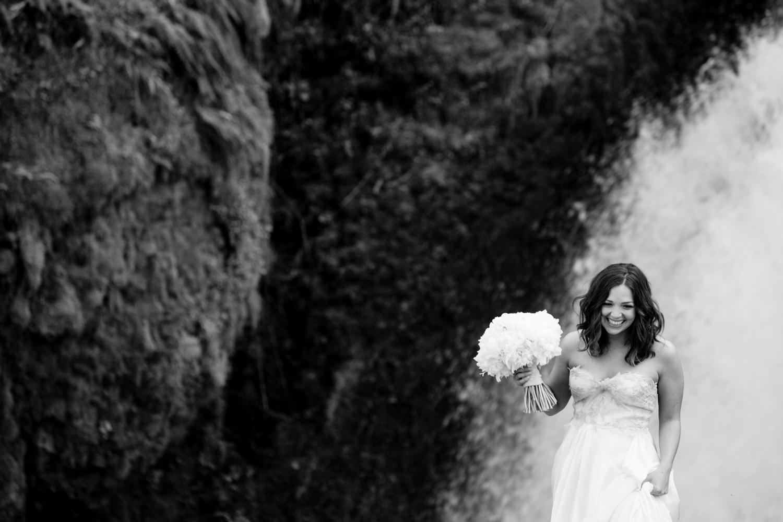 Waterfall-Weddings-Portland-23