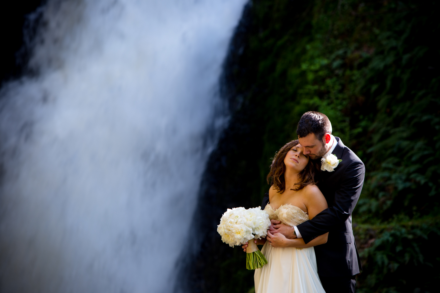 Waterfall-Weddings-Portland-30